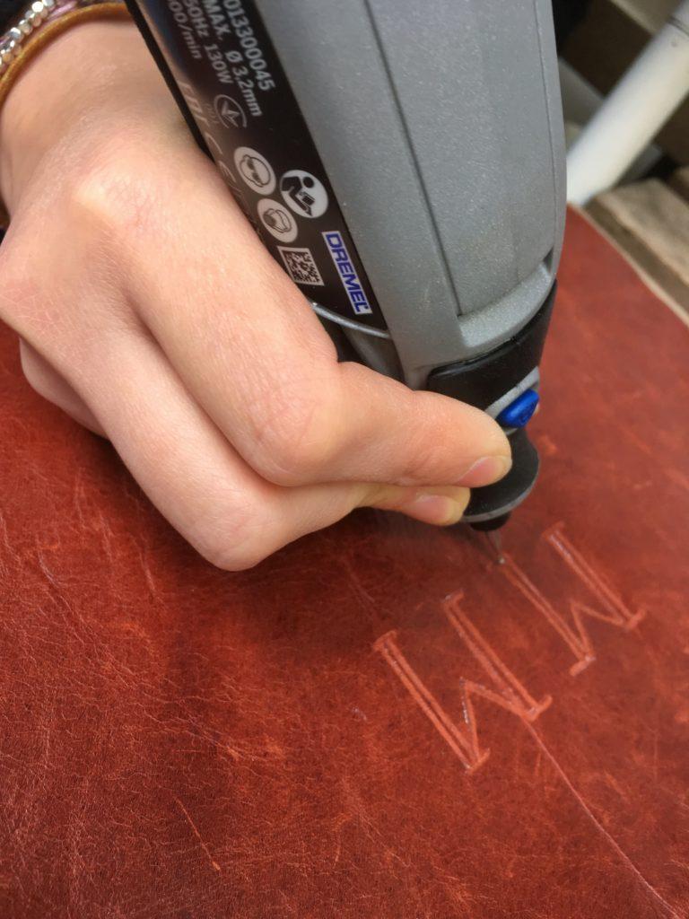 Come personalizzare una pochette con il Dremel3000